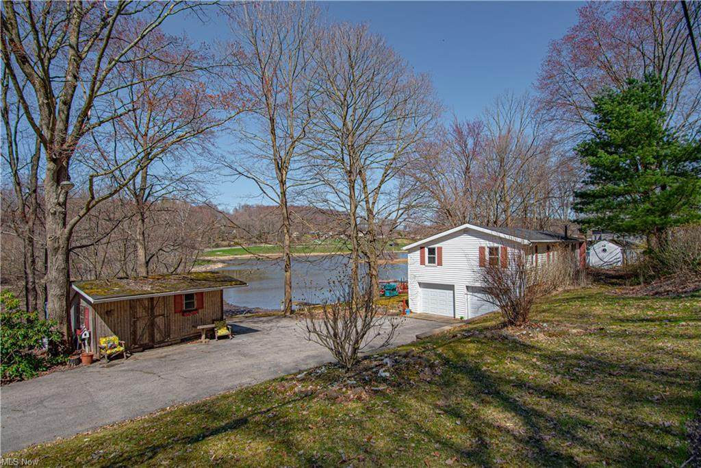 6270 Lakeview Road - Photo 1