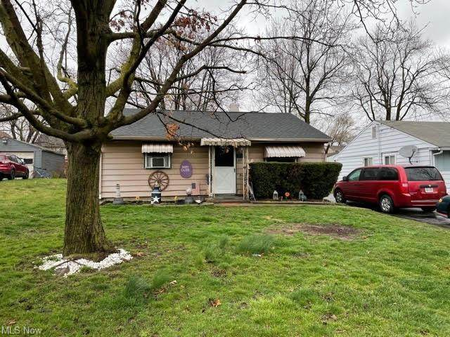 64 Emma Street, Girard, OH 44420 (MLS #4266447) :: Keller Williams Chervenic Realty