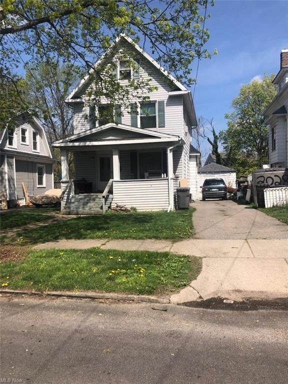 2024 Pointview Avenue, Youngstown, OH 44502 (MLS #4270023) :: The Jess Nader Team | REMAX CROSSROADS