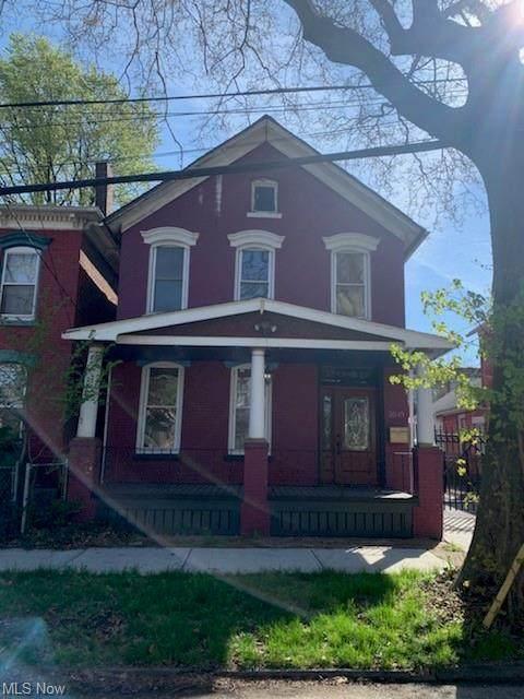 2045 W 38th Street, Cleveland, OH 44113 (MLS #4270030) :: Keller Williams Chervenic Realty