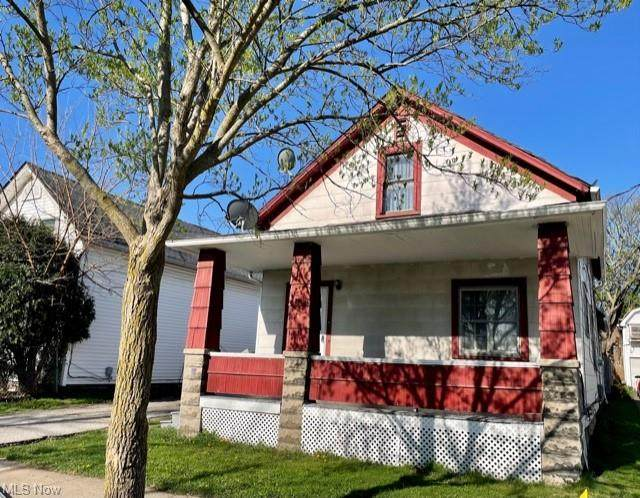 3218 W 52nd Street, Cleveland, OH 44102 (MLS #4270150) :: Keller Williams Chervenic Realty