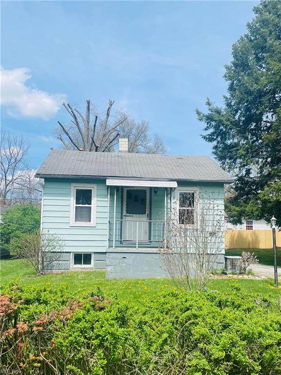 309 Jarvis Road, Akron, OH 44319 (MLS #4270800) :: The Kaszyca Team