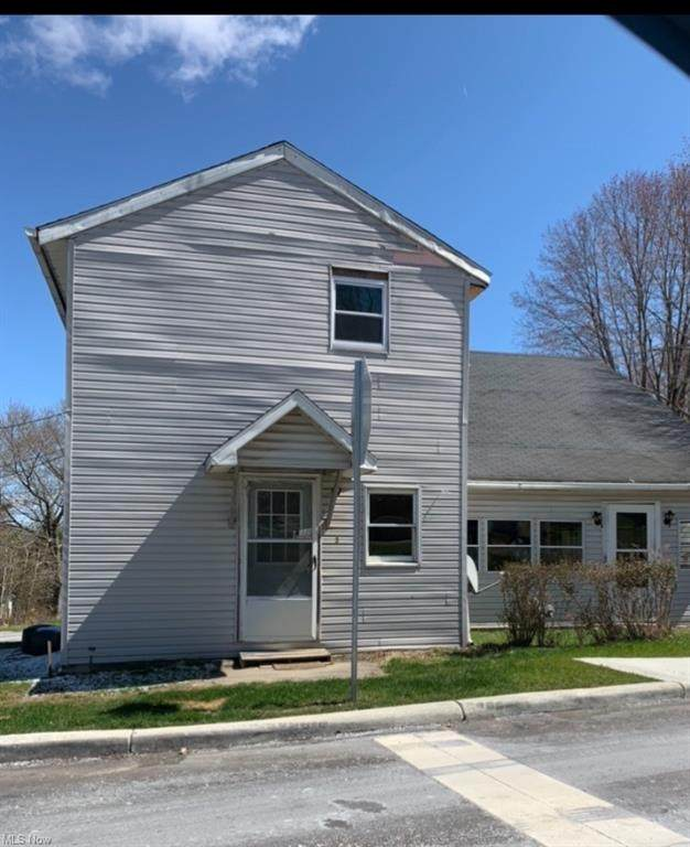 1097 Bedford Road, Masury, OH 44438 (MLS #4270805) :: The Holden Agency
