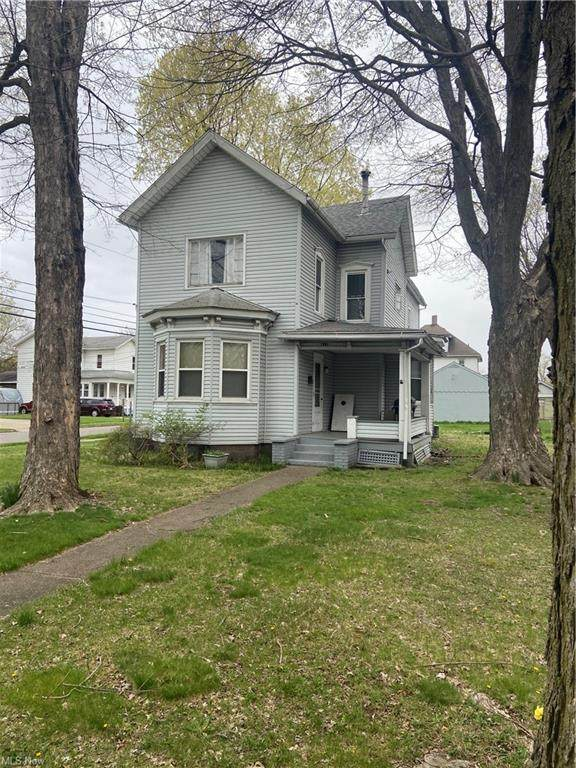 821 W Market, Orrville, OH 44667 (MLS #4270857) :: The Jess Nader Team | RE/MAX Pathway