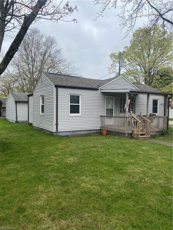 201 S Elm, Orrville, OH 44667 (MLS #4270864) :: The Jess Nader Team | RE/MAX Pathway