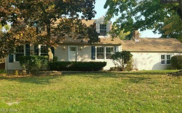 8729 Deer Creek Lane NE, Warren, OH 44484 (MLS #4271370) :: TG Real Estate