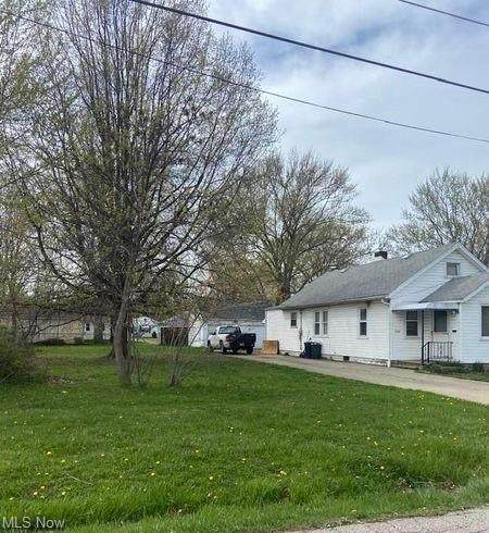 E 345th Street, Eastlake, OH 44095 (MLS #4271537) :: The Jess Nader Team | RE/MAX Pathway