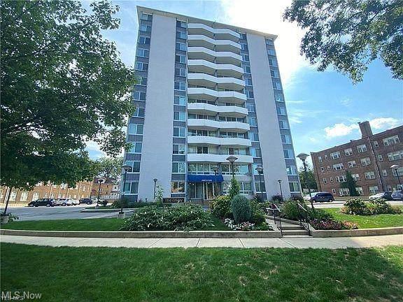 11811 Lake Avenue #105, Lakewood, OH 44107 (MLS #4271999) :: Keller Williams Legacy Group Realty