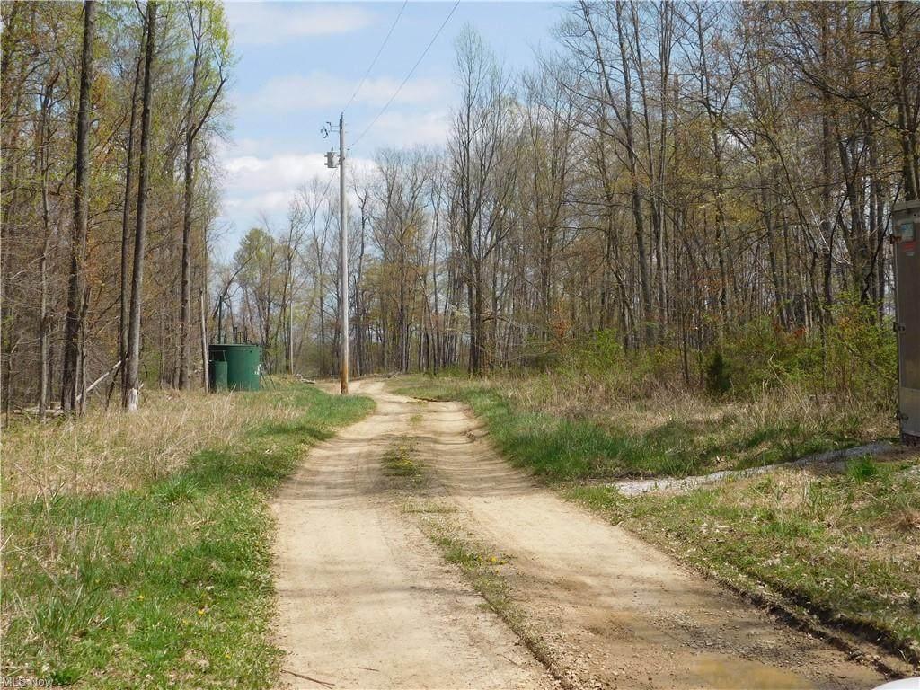 Township Road 364 - Photo 1
