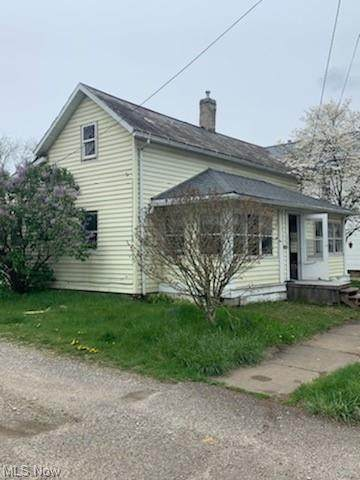 358 Saint Clair Avenue SW, New Philadelphia, OH 44663 (MLS #4274071) :: Select Properties Realty