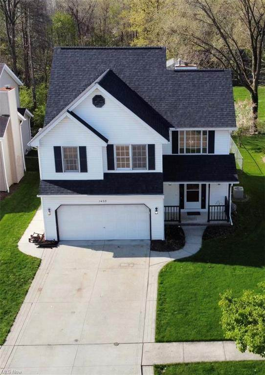 1435 Loriann Drive, Berea, OH 44017 (MLS #4274229) :: The Holly Ritchie Team