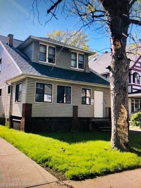 2140 W 101st Street, Cleveland, OH 44102 (MLS #4276549) :: Tammy Grogan and Associates at Keller Williams Chervenic Realty