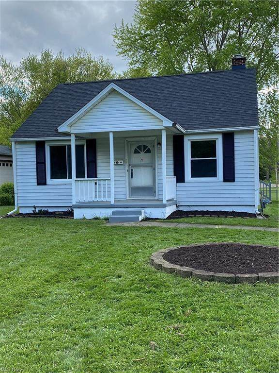 3949 Beck Avenue, Louisville, OH 44641 (MLS #4277279) :: The Art of Real Estate