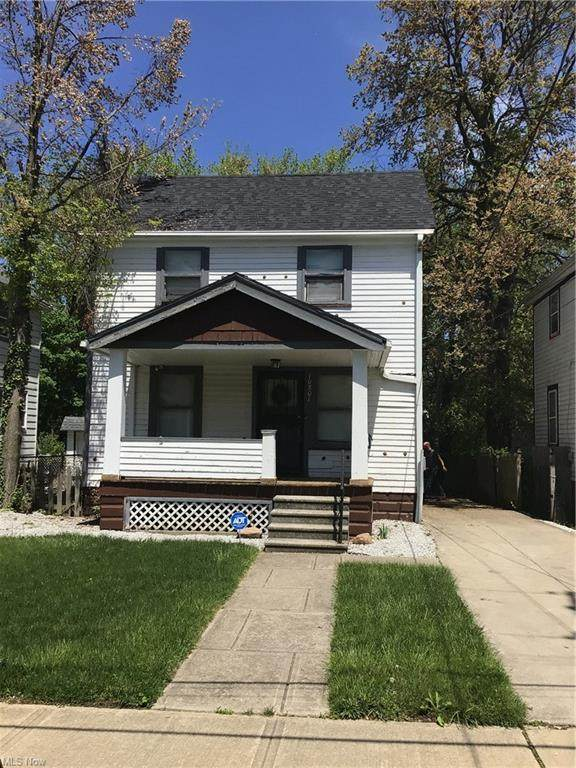 10801 Dove Avenue, Cleveland, OH 44105 (MLS #4277819) :: The Kaszyca Team