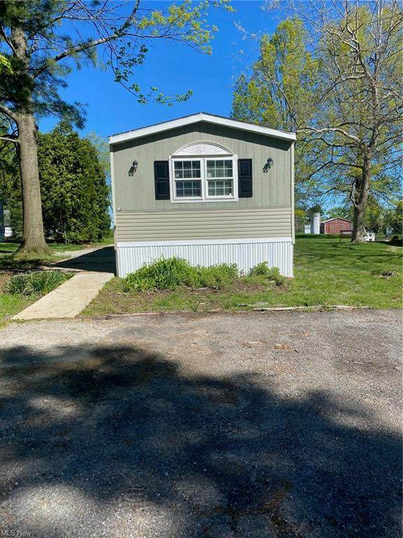 5854 Cleveland Rd #10, Wooster, OH 44691 (MLS #4278393) :: RE/MAX Edge Realty