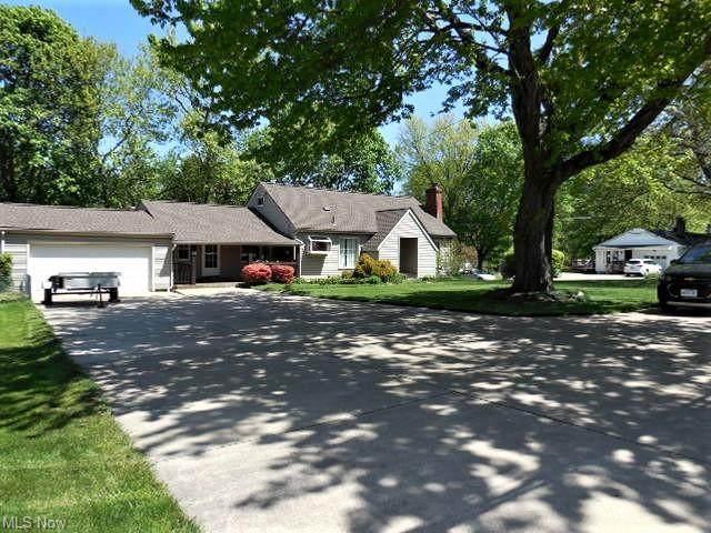 351 East Avenue, Tallmadge, OH 44278 (MLS #4278447) :: Keller Williams Chervenic Realty
