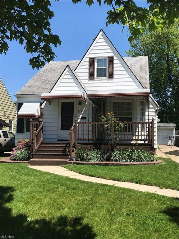 3267 W 142nd Street, Cleveland, OH 44111 (MLS #4278665) :: RE/MAX Trends Realty