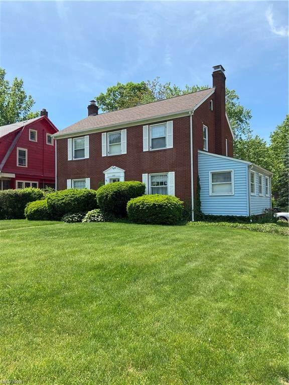 2224 Goleta Avenue, Youngstown, OH 44504 (MLS #4281310) :: Tammy Grogan and Associates at Keller Williams Chervenic Realty