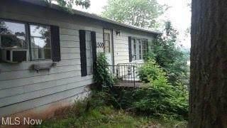 2300 Hill Street, Belpre, OH 45714 (MLS #4284881) :: Select Properties Realty
