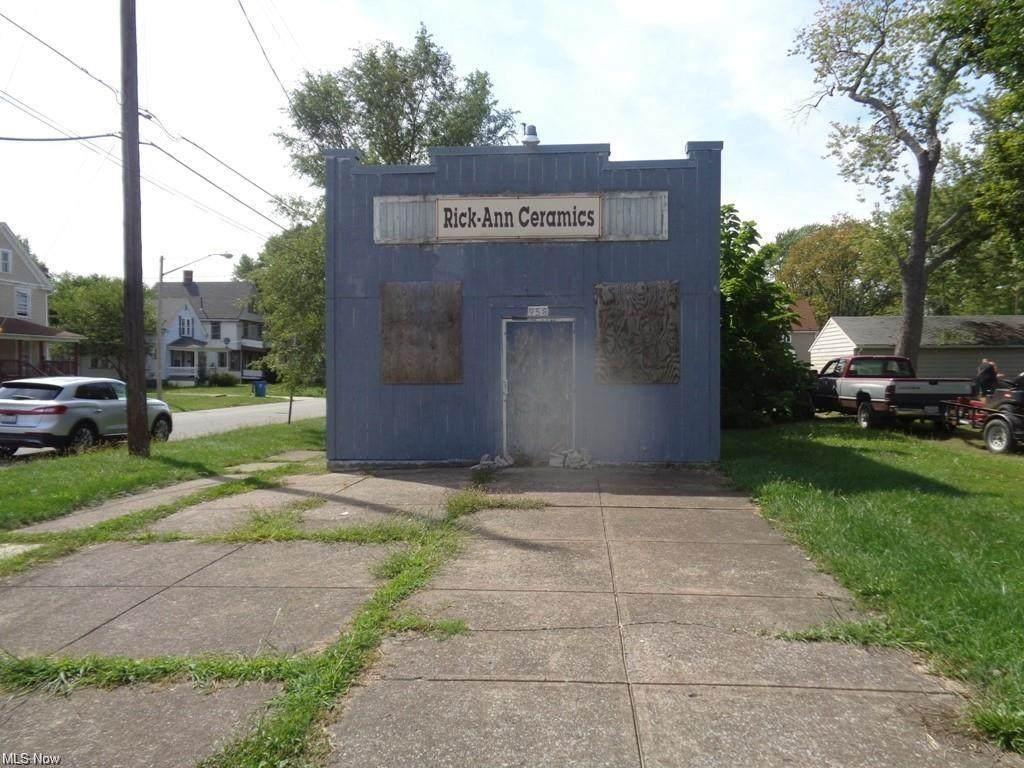 958 Washington Avenue - Photo 1