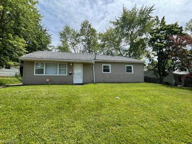 33 Wilmette Lane, Youngstown, OH 44505 (MLS #4285156) :: TG Real Estate