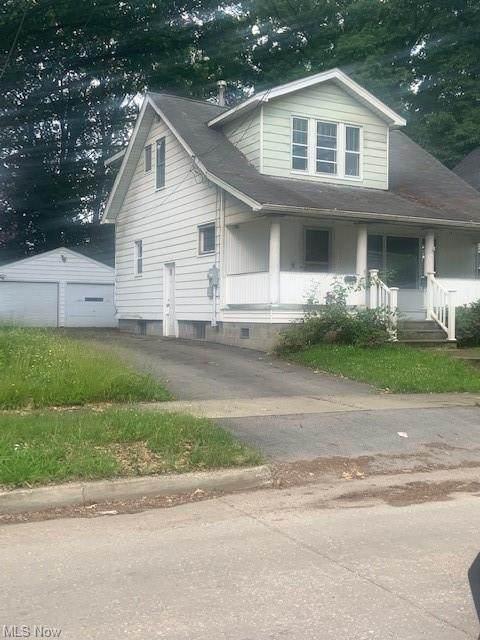 800 Glenwood, Warren, OH 44483 (MLS #4288596) :: Tammy Grogan and Associates at Keller Williams Chervenic Realty