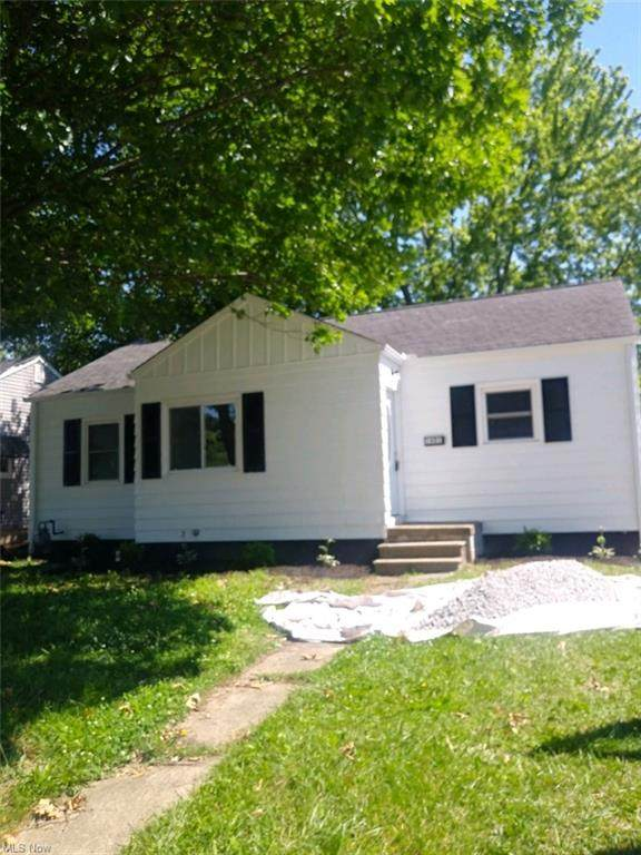 1601 W 11th Street, Lorain, OH 44052 (MLS #4288757) :: Tammy Grogan and Associates at Keller Williams Chervenic Realty