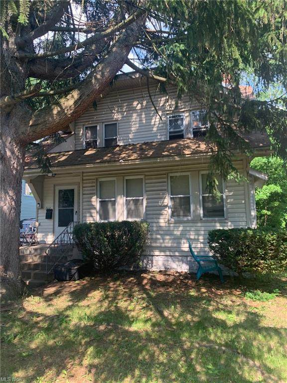 563 East Avenue, Akron, OH 44320 (MLS #4289601) :: The Art of Real Estate