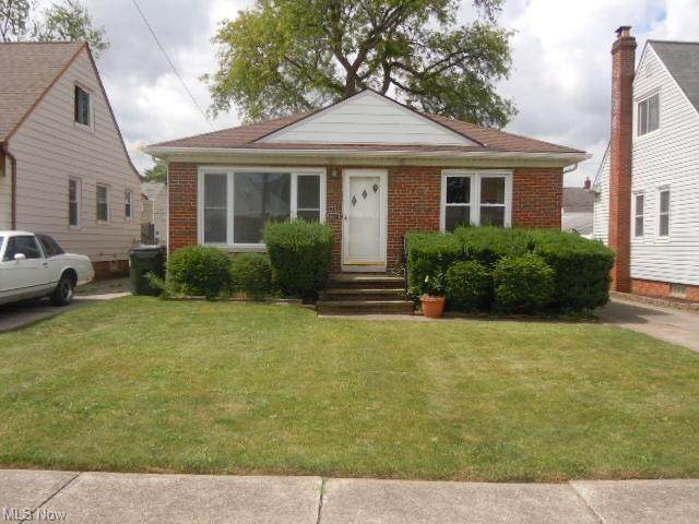 7701 Wooster Parkway, Parma, OH 44129 (MLS #4289696) :: Tammy Grogan and Associates at Keller Williams Chervenic Realty