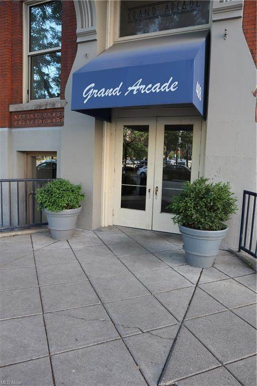 408 W Saint Clair Avenue #321, Cleveland, OH 44113 (MLS #4289875) :: The Art of Real Estate