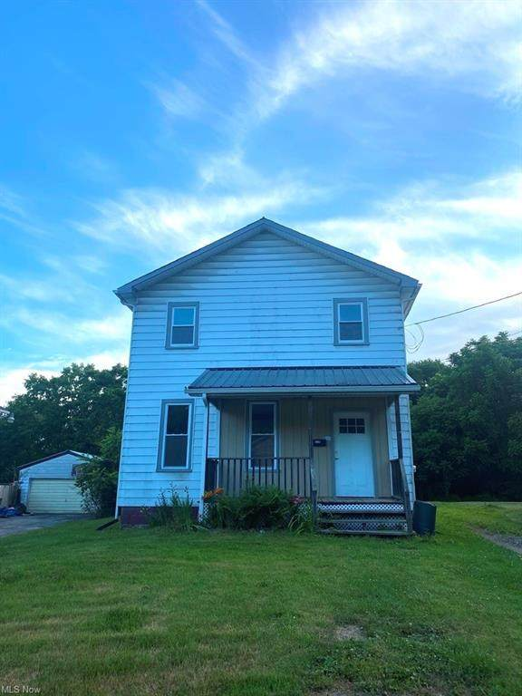 110 Oak Street, Leetonia, OH 44431 (MLS #4290529) :: The Jess Nader Team | RE/MAX Pathway