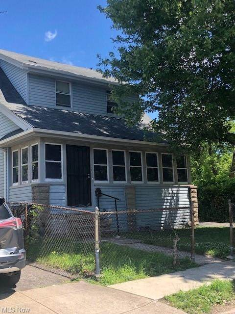 3229 E 94th Street, Cleveland, OH 44104 (MLS #4291393) :: The Holden Agency