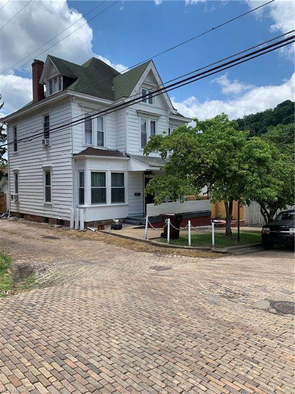 206 5th Street, Wellsville, OH 43968 (MLS #4291869) :: Tammy Grogan and Associates at Keller Williams Chervenic Realty