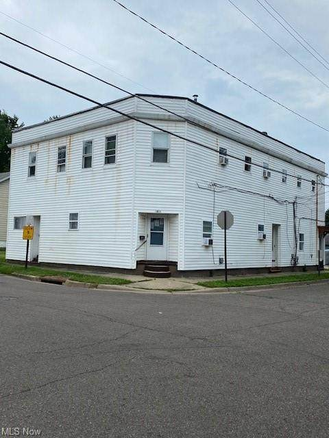 1830 Shaw Avenue, Akron, OH 44305 (MLS #4293891) :: The Holden Agency