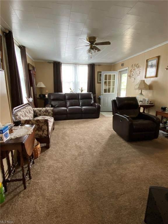 415 N 3rd Street, Coshocton, OH 43812 (MLS #4296996) :: Select Properties Realty