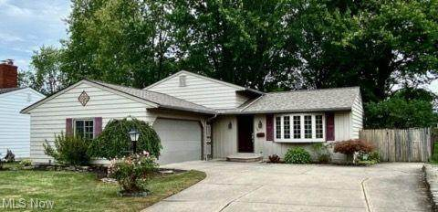 136 Wisconsin Circle, Elyria, OH 44035 (MLS #4297509) :: The Holden Agency