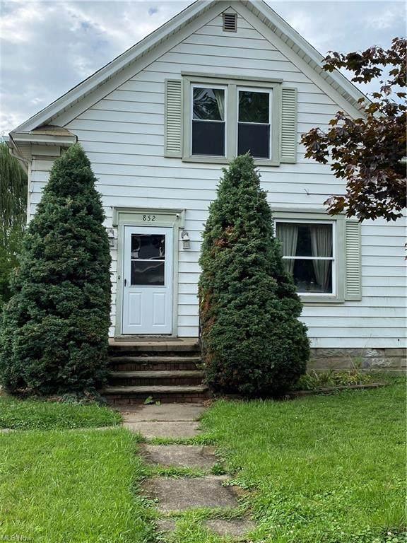 852 Aetna Street, Salem, OH 44460 (MLS #4298293) :: Tammy Grogan and Associates at Keller Williams Chervenic Realty