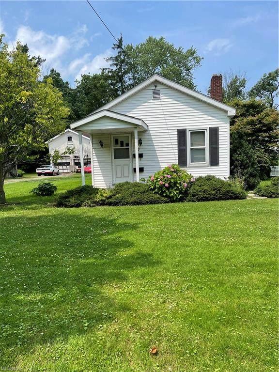 57 E Walnut Street, Jefferson, OH 44047 (MLS #4298600) :: Tammy Grogan and Associates at Keller Williams Chervenic Realty
