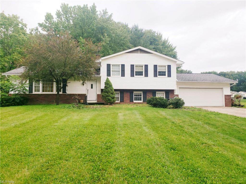 8466 Carriage Hill Drive - Photo 1