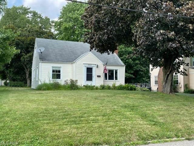 350 Prescott, Hubbard, OH 44425 (MLS #4299661) :: Tammy Grogan and Associates at Keller Williams Chervenic Realty