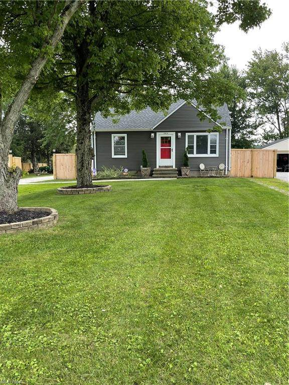 19615 Drake Road, Strongsville, OH 44149 (MLS #4299962) :: The Art of Real Estate