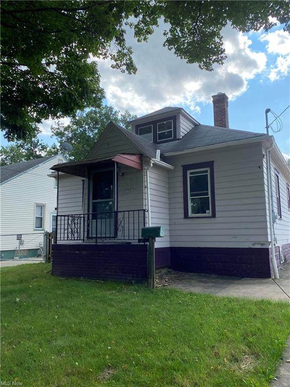 5024 Friendship Avenue, Youngstown, OH 44512 (MLS #4301087) :: Keller Williams Chervenic Realty