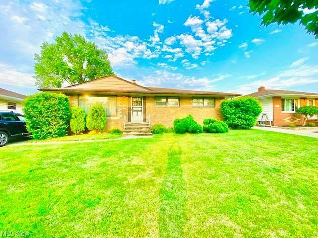 5915 Kings Highway, Parma Heights, OH 44130 (MLS #4301334) :: TG Real Estate