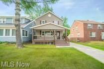 19200 Renwood Avenue, Euclid, OH 44119 (MLS #4301339) :: Keller Williams Chervenic Realty