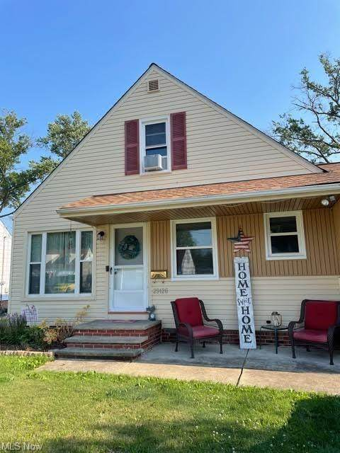 29126 Edgewood Drive, Willowick, OH 44095 (MLS #4301713) :: TG Real Estate