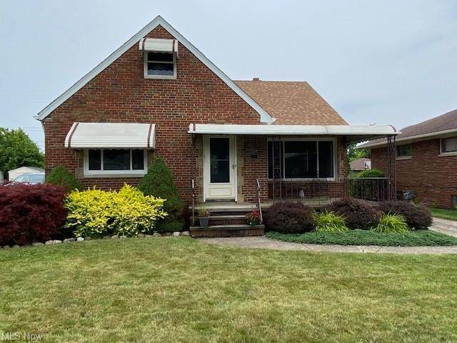 7524 Kenilworth Avenue, Parma, OH 44129 (MLS #4301970) :: The Art of Real Estate