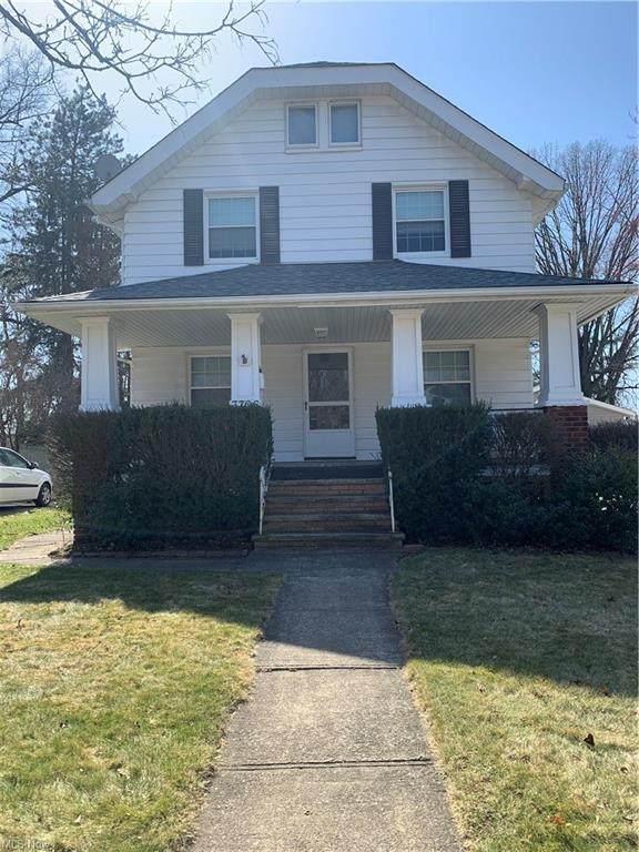 3706 W Park Road, Cleveland, OH 44111 (MLS #4301994) :: Keller Williams Chervenic Realty