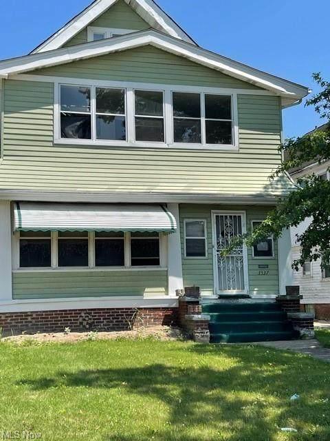 3537 E 147th Street, Cleveland, OH 44120 (MLS #4302121) :: Keller Williams Chervenic Realty
