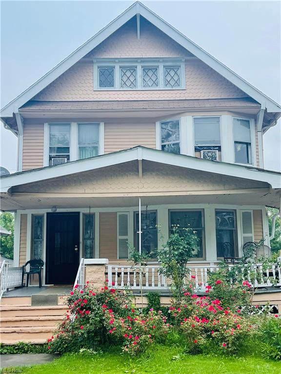 3299 W 95th Street, Cleveland, OH 44102 (MLS #4302301) :: Keller Williams Chervenic Realty