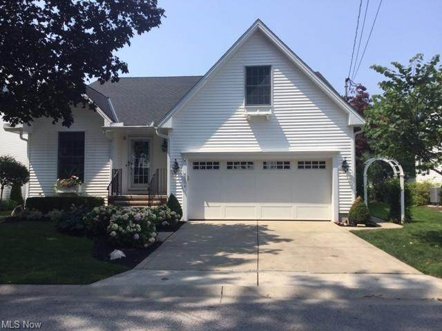 5206 Park Drive, Vermilion, OH 44089 (MLS #4303171) :: RE/MAX Trends Realty